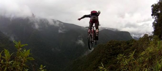 salto base en bicicleta