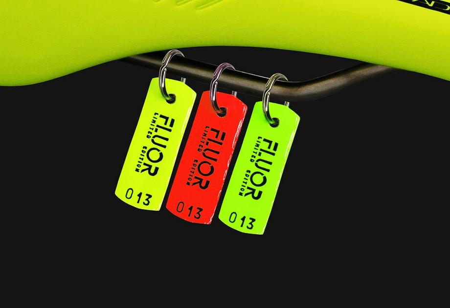 Llavero Essax Fluor Limited