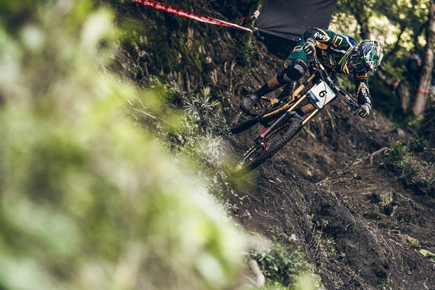 minnaar world champ dh vallnord 2015