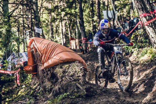 bruni world champ dh vallnord 2015