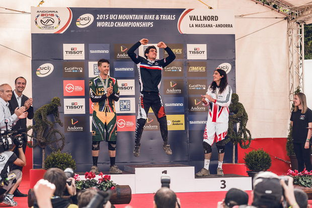 podium world champ dh vallnord 2015