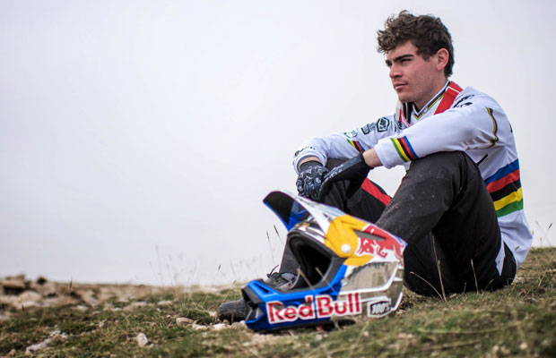 Loic Bruni ficha por specialized