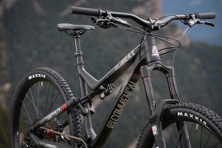 Commencal META AM V4 RIDE BLACK Limited EDITION 2016