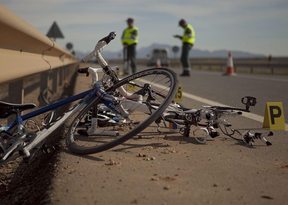 accidente de bicicleta carretera