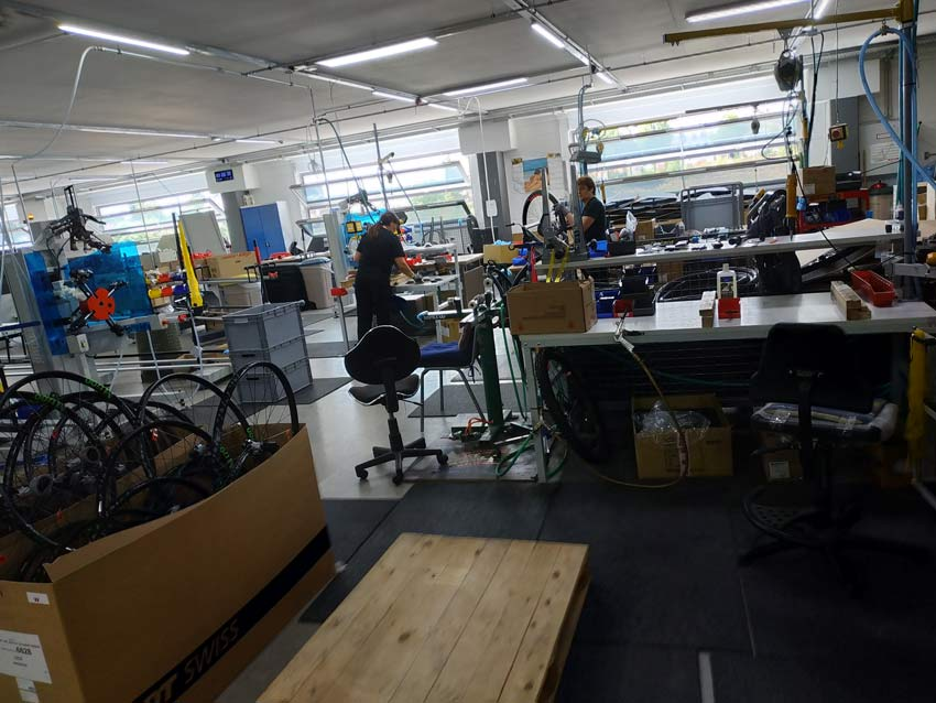 fabrica ghost bikes